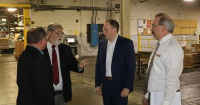 GOP frontrunner Zeldin discusses divide in NYS, business climate during Batavia visit – The Livingston County News